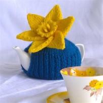 Daffodil tea pot